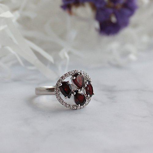 """Серебряное кольцо """"Гранат"""""""